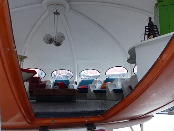 futuro house inside