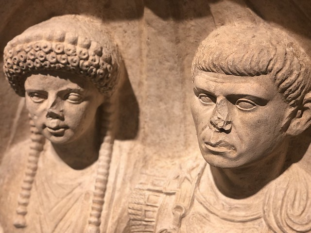 Estela funeraria romana en Nimes
