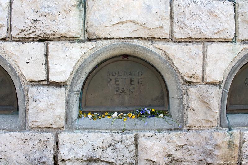 Tomba del Soldato Peter Pan su Cima Grappa