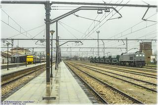 Tren de los 80 y piedra en Linares