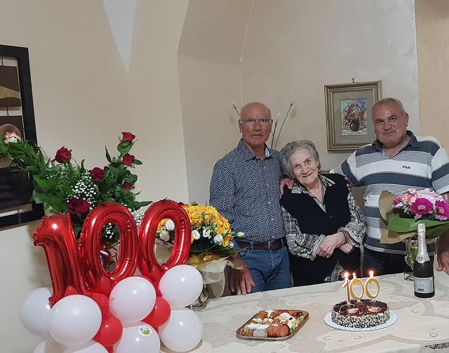 i 100 anni di nonna Filomena