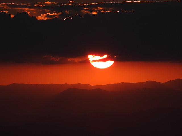 The Sun breaks the darkness...