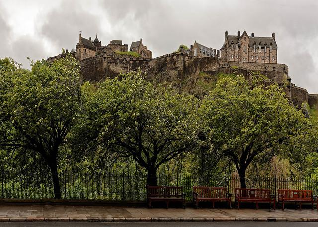 Edingurgh / The Castle and the three trees
