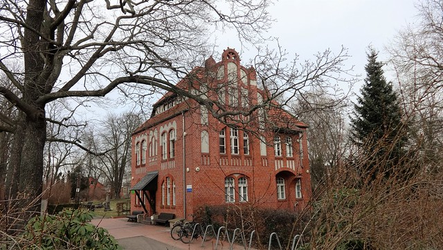um 1900 Berlin Friedhofsverwaltung in norddeutscher Renaissance Gotlindestraße 80 in 10365 Lichtenberg