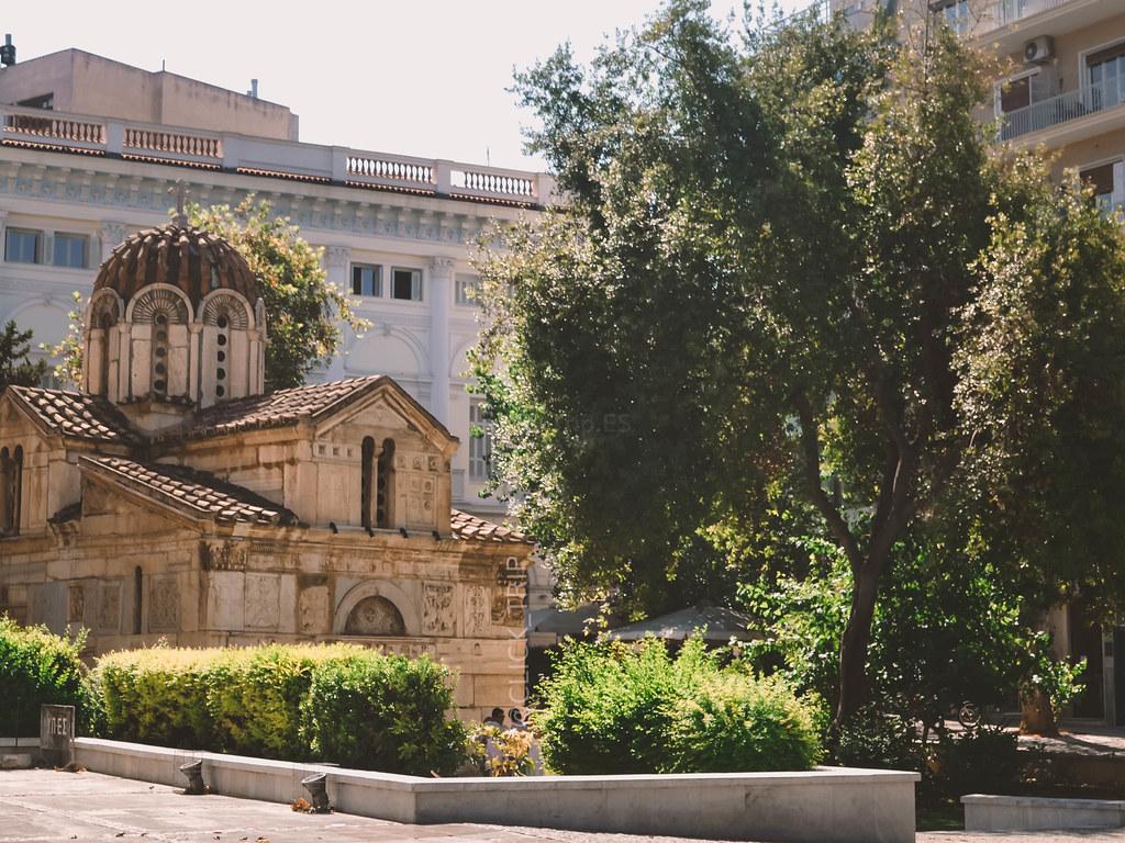 · Iglesia bizantina de Kapnikarea ·   Ruta por Grecia ·