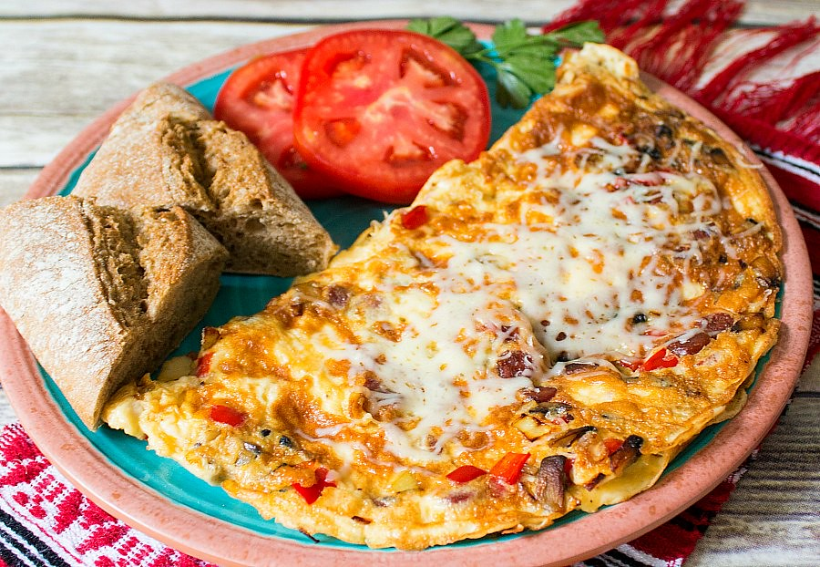 What to Eat in Bucharest: Romanian Peasant Omelette