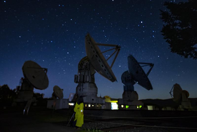 パラボラと星のタイムラプス:国立天文台野辺山観測所 第4回星空撮影会 2