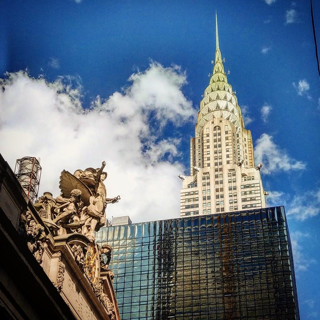 Il Chrysler Building Sovrasta In Tutta La Sua Magnificenza