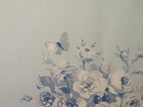Jane's Rose Bouquet wallpaper in blueberry