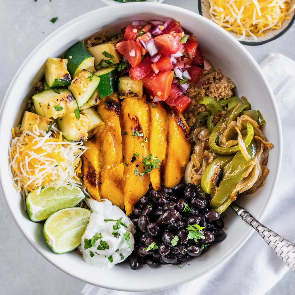 veggie burrito bowls with grilled mango