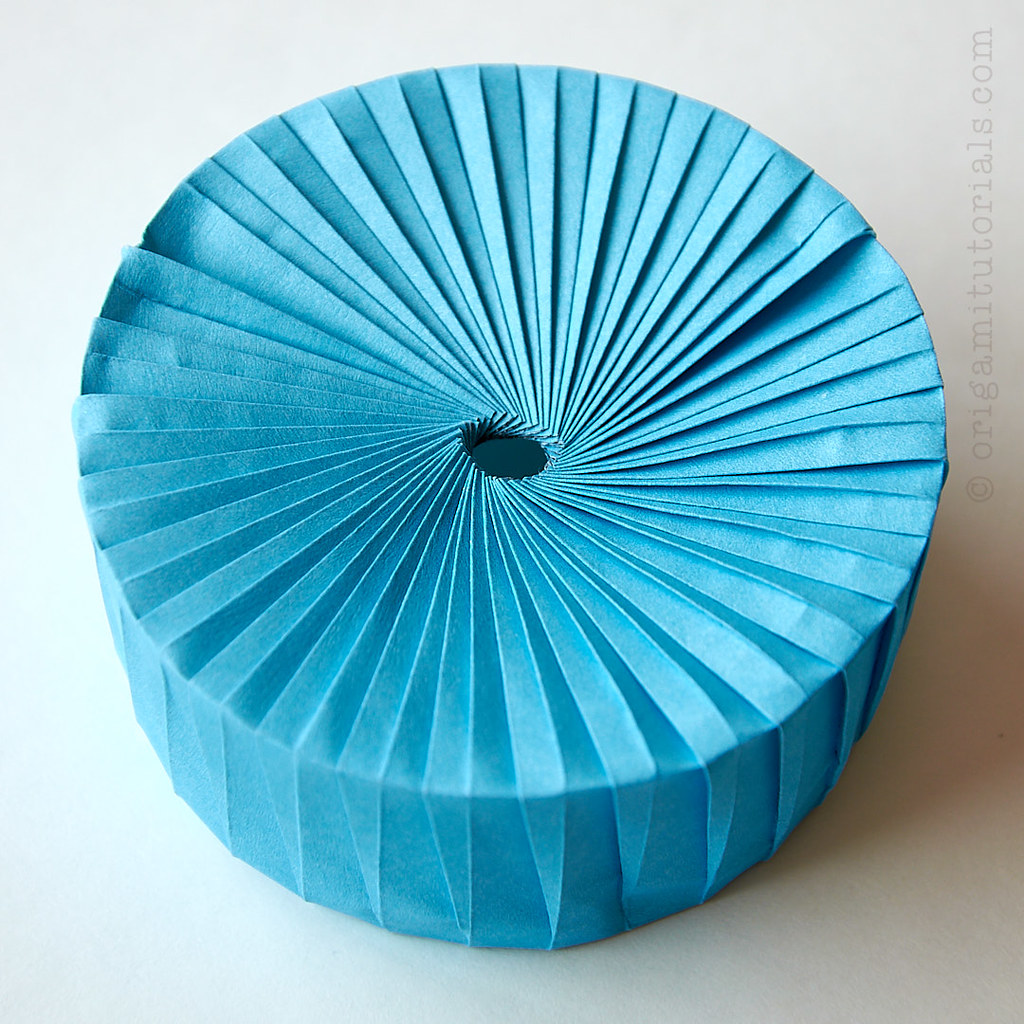 Lidded Origami Square Twisted Box Tutorial | Hometalk | 1024x1024