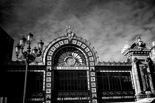 Perdurar en el tiempo..( Bilbao.) Endure in time.!! ( Bilbao)