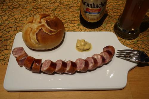 Käse-Krakauer mit scharfem Senf und Kaiserbrötchen  (meine erste Portion)