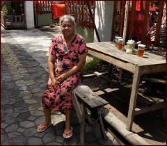 Solo Surakarta Street Lady 20190323_101512 DSCN4006