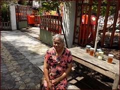 Solo Surakarta Street Lady 20190323_101519 DSCN4007