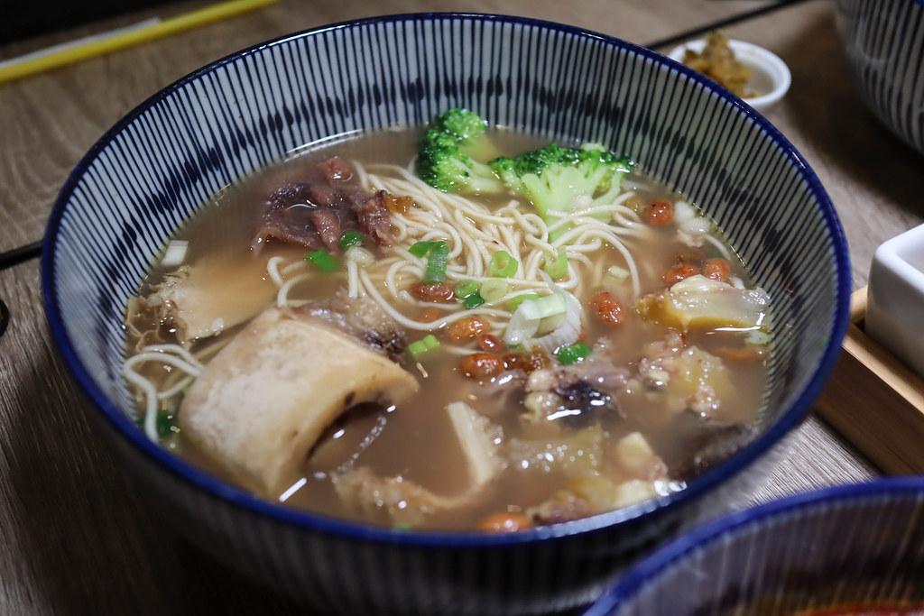 台灣郎正宗牛肉麵 (16)