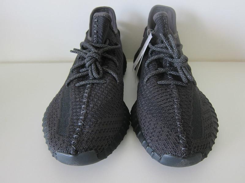 Adidas Yeezy Boost 350 v2 (Black)