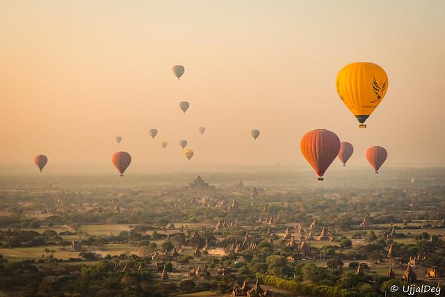 Balloon ride over incredible Bagan