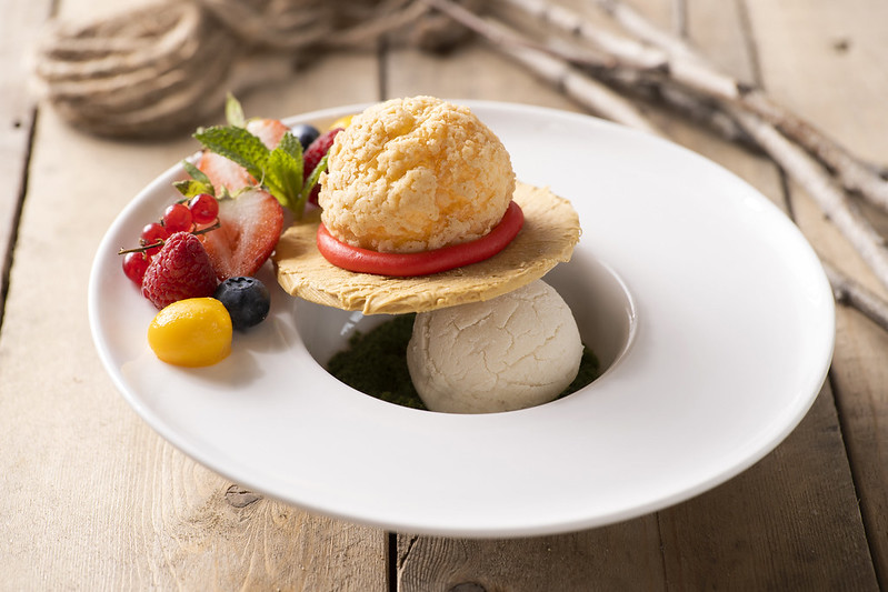Luffy Crispy Puff with Cookies and Vanilla Ice-cream
