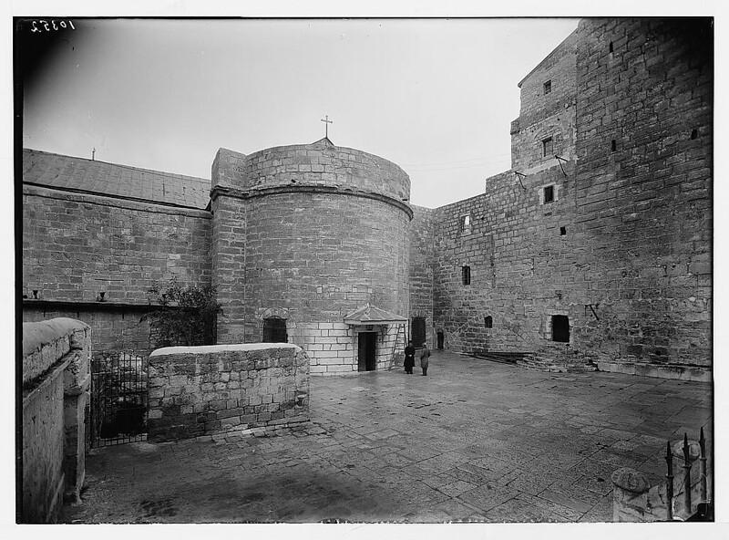 Bethlehem-church-of-nativity-courtyard-1934-39-mpc-04259v