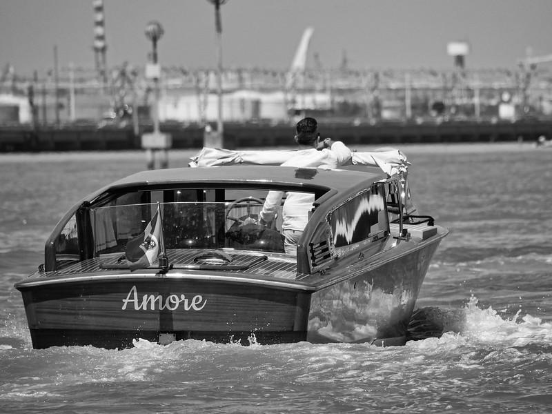 Venise en noir et blanc + Ajouts couleur 48114947501_6a38ba4018_c