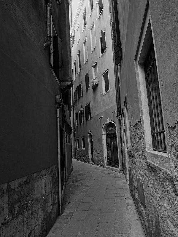 Venise en noir et blanc + Ajouts couleur 48114958146_eeb33e8437_c