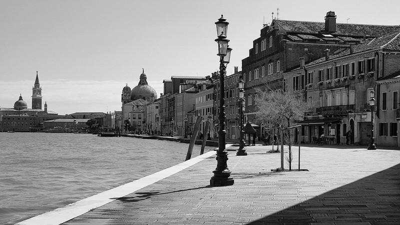 Venise en noir et blanc + Ajouts couleur 48114958451_8f8a2db0c6_c