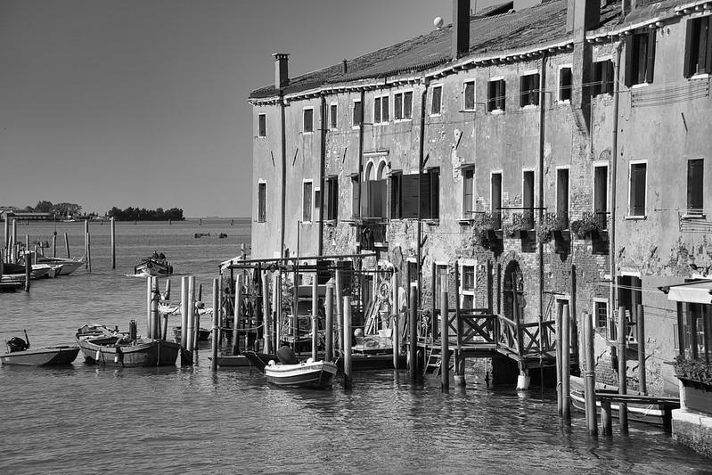 Venise en noir et blanc + Ajouts couleur 48115020728_14dd0a2474_c