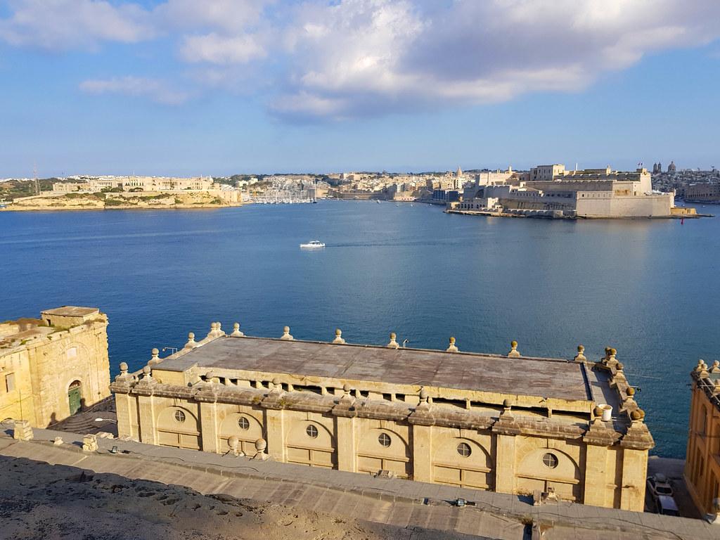 Widok z Górnych Ogrodów Barrakka, Malta