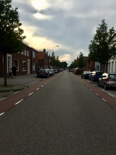 lange asfaltweg