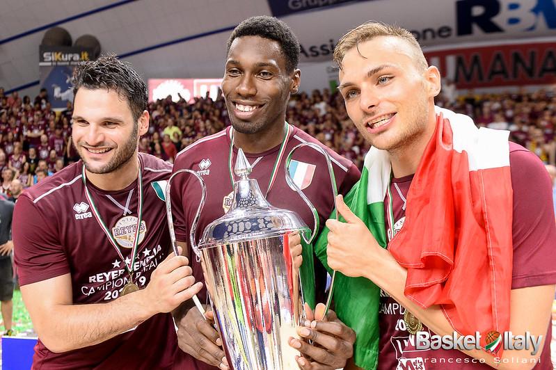 festeggiamenti: Marco Giuri, Paul Biligha e Stefano Tonut