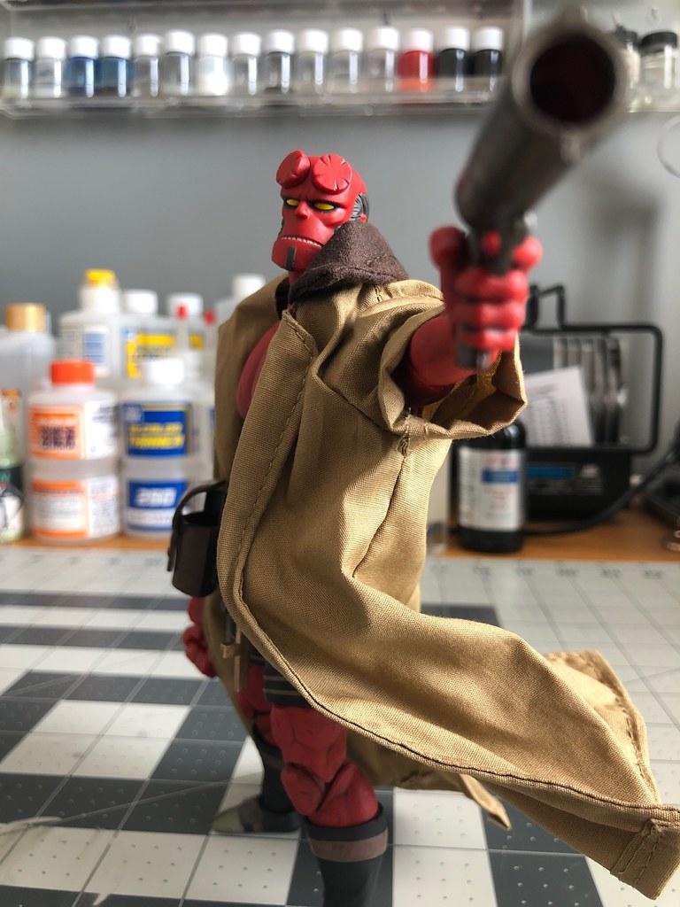 1000toys Hellboy