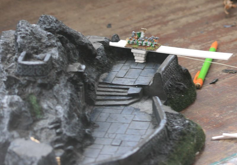 [Nain] Le Dwarf Mountain Stronghold 48116507488_281f4d2d1e_c