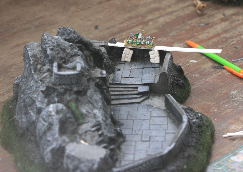 [Nain] Le Dwarf Mountain Stronghold 48116569497_0a35d9607c_c