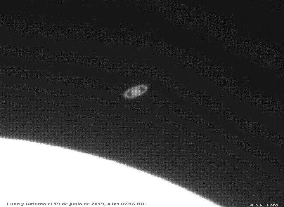 Saturno antes de ocultación lunar