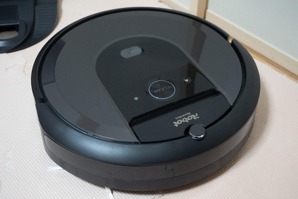 iRobot_Roomba_i7-13