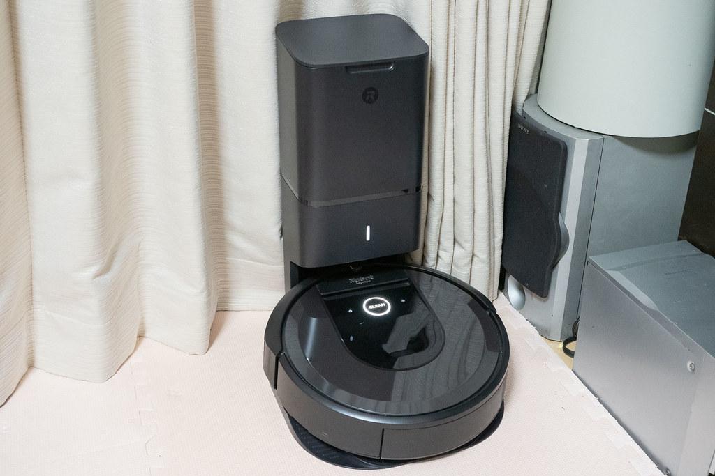 iRobot_Roomba_i7-22