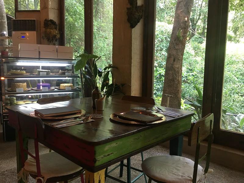 Burrow Cafe, Taytay