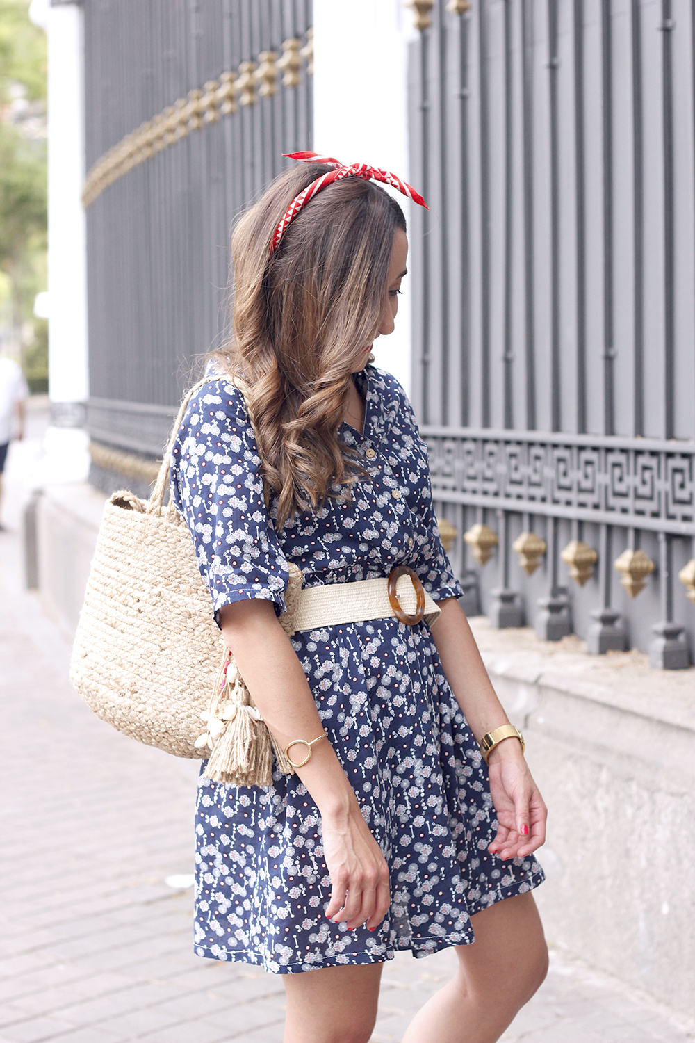 casual printed dress platfrom converse hair scarf street style outfit 20192