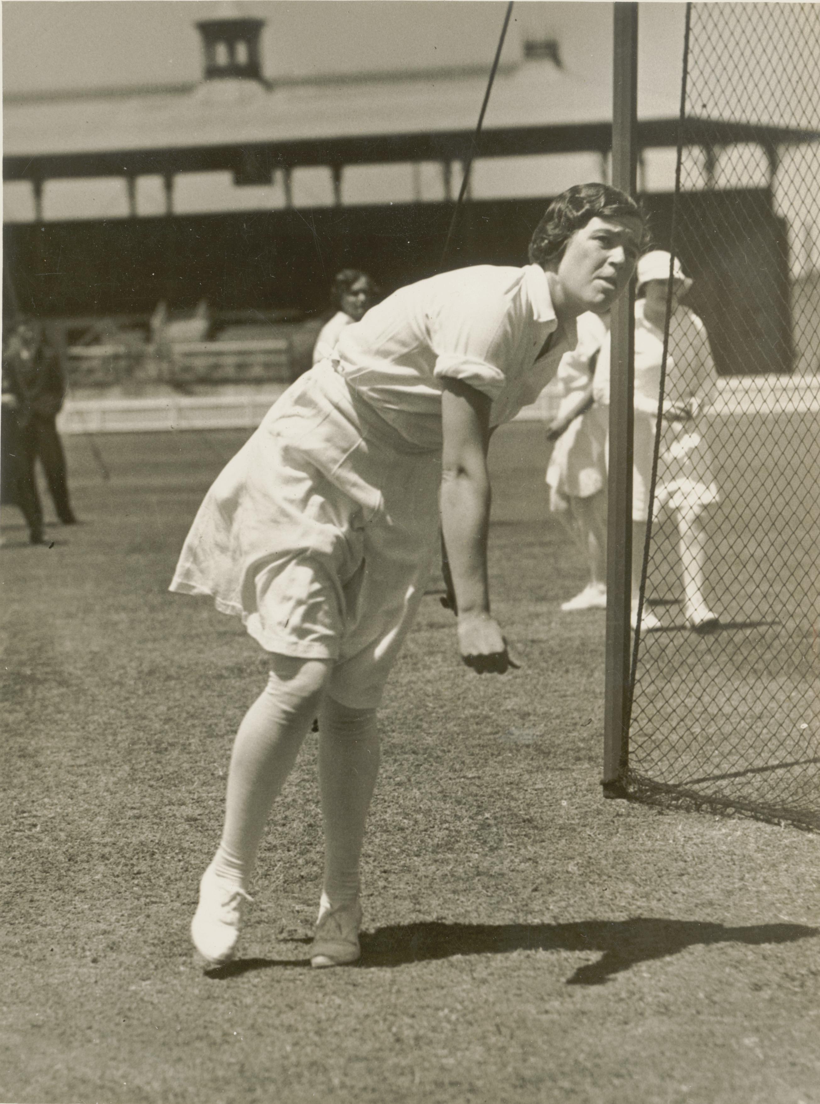 Miss M. Maclagan, playing cricket, ca. 1935, Sam Hood