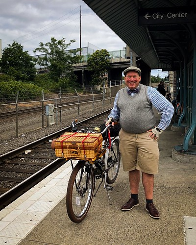 Today was the #pdxseersuckersocial I led eight folks from @greenzebragrocery in Lloyd District six miles to Westmoreland Park in SE. Here's a pic taken by Emee Pumarega as I waited for the MAX to the ride start. #pdxseersuckersocial2019 #tweedrun #tweedri | by urbanadventureleaguepdx