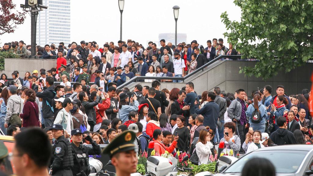 2019年5月1日上海市街頭人潮。Mussi Katz(CC0 1.0)