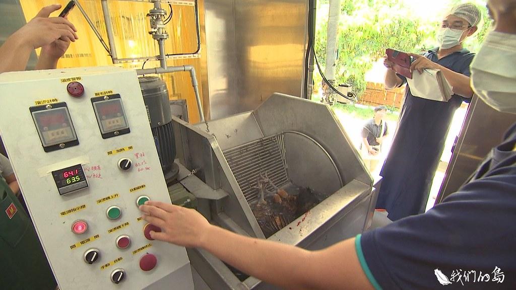 中興大學牧場的小型氣冷式屠宰場,已經進入試營運階段。
