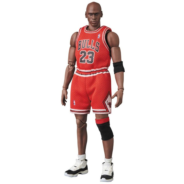 MAFEX  空中飛人「麥可·喬丹(芝加哥公牛隊服)」傳奇經典再現!マフェックス No.100 MAFEX Michael Jordan(Chicago Bulls)