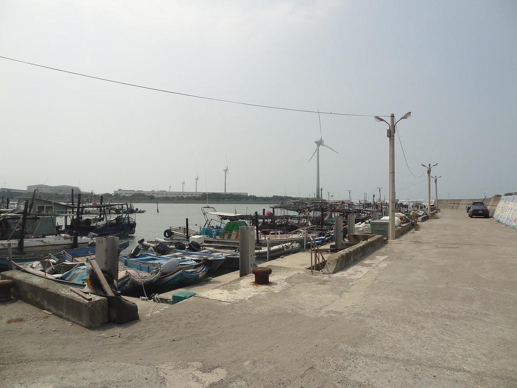 彰化崙尾灣漁港。圖片來源:Bunkichi Chang(CC BY 2.0)