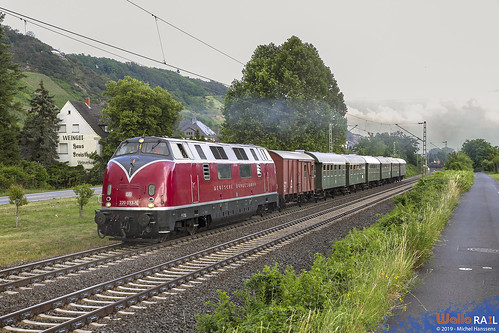 220 033 . Museumseisenbahn Hamm . Leutesdorf . 22.06.19.