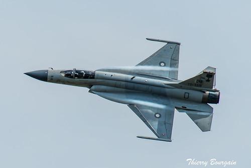 [LBG] Pakistan JF-17 Thunder _ 11-135