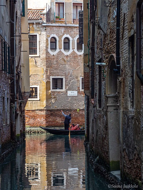 Tips for sustainable Venice - the iconic city of canals and bridges