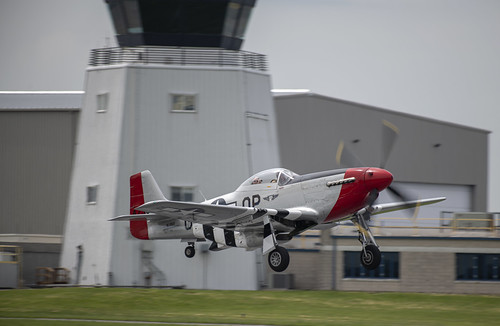 P-51D Giving Rides