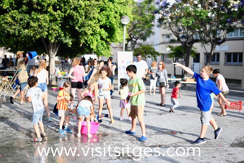 Fiesta infantil – Fiestas de San Juan en el Poble Sec